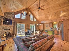 Luxe Family Home 2Mi to Windham Mountain and Resort, hotel in Windham
