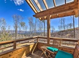 Modern Cabin with Balcony Views and Fireplace!, hotel in Carbondale