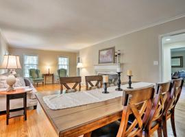Charming Chevy Chase Home 1.4 Mi to UK Stadium, vacation rental in Lexington