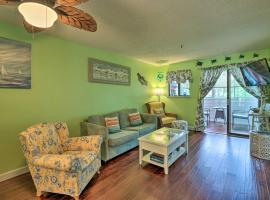 Colorful Resort Condo with Beach & Pool Access!, villa in Hilton Head Island