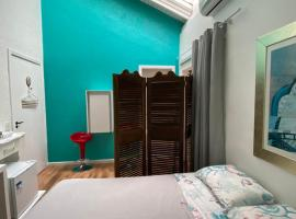 Cozy suite in private condo in lagoa da Conceição, hospedagem domiciliar em Florianópolis