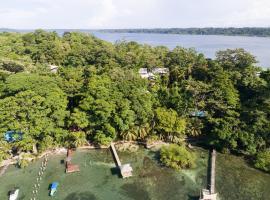 Punta Rica Jungle Retreat, hotel en Bastimentos