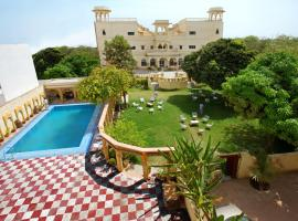 Jhalamand Garh by 1589 Hotels Jodhpur, hotel with pools in Jodhpur