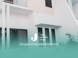 Villa Junrejo Kav 3 - 4 Bedrooms, self catering accommodation in Batu