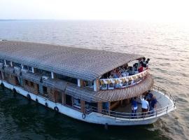 Alleppey Backwater Cruise、アレッピーのホテル