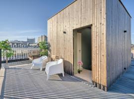 Luxury Apartment with Rooftop Terrace. Heart of Antwerp, hotel in Antwerp