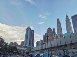 Ceria Al-Aqsa Homestay Plaza Rah Condomonium Kampung Baru Kuala Lumpur City Centre, íbúð í Kuala Lumpur