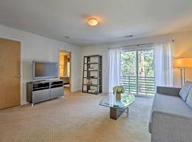 LoHi Apartment with Patio -1 Mile to Downtown Denver!, apartment in Denver