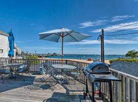 Beachfront P-town Apt. w/ Shared Deck+Views!, apartment in Provincetown