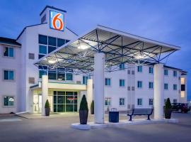 Motel 6-Saskatoon, SK, hotel in Saskatoon
