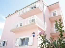 Ivic Apartments Vodice Croatia, hotel u Vodicama