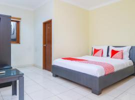 OYO 2196 Ss Homes, hotel near Plaza Senayan, Jakarta