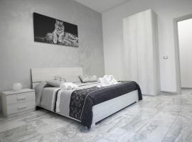Central Luxury Apartment, hotel in zona Acquicella Train Station, Catania