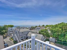 Splendid Provincetown Penthouse Apartment with Deck!, apartment in Provincetown