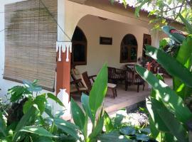 Bali Best Budget Beach Bungalow, hotel in Candidasa