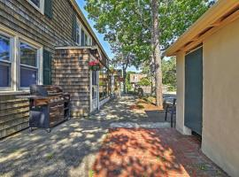 Charming 3BR South Yarmouth Townhome Near Beaches!, hotel in South Yarmouth