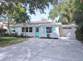 3 Bedroom, Pool, Spa, Renovated Beach House, vacation rental in Clearwater Beach