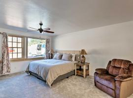 Magnificent Ouray Abode with Deck and Mountain Views!, family hotel in Ouray