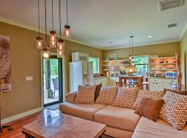 Vacation Villa with Fire Pit - 10 Mi to Beach!, vacation rental in Vero Beach