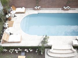 SPAZIO ARONA HOTEL BOUTIQUE, hotel in Salta
