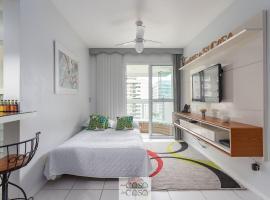 TOP 2 Quartos com VARANDA em Condominio com PISCINA, Portaria 24h e Estacionamento - Estrutura de Lazer para CRIANCAS - Apto com Ar Condicionado e Wi-Fi 100mbps, apartment in Rio de Janeiro