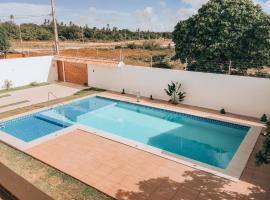 Mansão Beberibe, hotel with pools in Beberibe