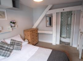 The High Street Hideaway - Luxury Lewes Apartment, hotel in Lewes