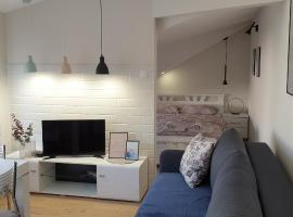 Lovely private flat+FREE breakfast+FREE parking, apartmán v destinácii Novi Sad