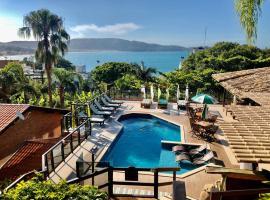 Pousada Palmeiras, hotel near Retreat of the Priests Beach, Bombinhas