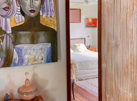 Bali with a twist, hotel in Nelson
