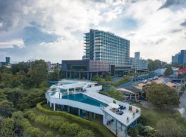 Tsix5 Phenomenal Hotel Pattaya, отель в городе Северная Паттайя