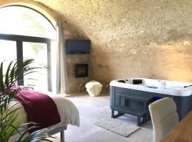 Paradise Love In Provence - loft en pierres - spa privatif, hotel in Reillanne