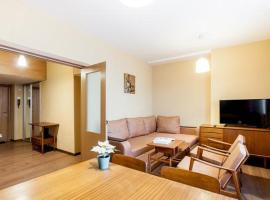 3-roomed Nice apartment at Luzhniki stadium, hotel in Moscow