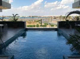 أبحر ريزيدنس 2, hotel with pools in Obhor