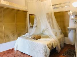 Dar Yasmine Motel, hostel in Pantai Cenang
