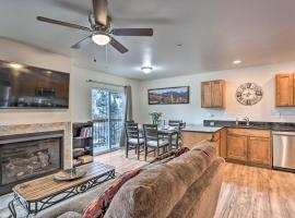 Modern Townhome with Deck Steps to Ouray Hot Springs, holiday home in Ouray