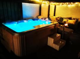 Chill & Party, spa hotel in Breda