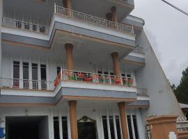 Grand Maju Hotel, hotel di Sigumpar