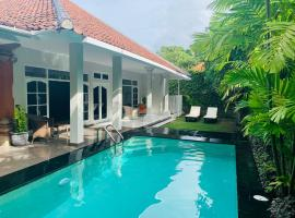 Alinta Villa 1, hotel with pools in Sanur
