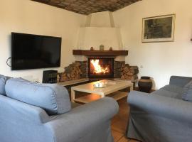 Casa Rural Cupiana Piscina privada Malaga, hotel cerca de Parque Tecnológico de Andalucía - PTA, Málaga