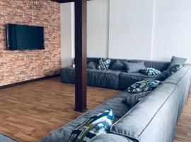 LOFT HOSTEL 102, hotel in Ufa