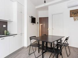 Modern and new flat in Duomo area, budget hotel in Milan