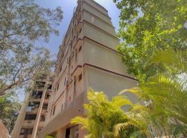 Hotel Galaxy Comforts, hotel in Mumbai