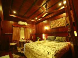 Best Kerala Houseboat, boat in Alleppey