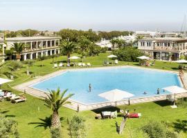 Porto Romano - The Marina Resort, hotel in Fiumicino