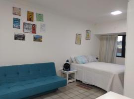 LINDO APART HOTEL COM PISCINA PROXIMO AO MAR, serviced apartment in Salvador