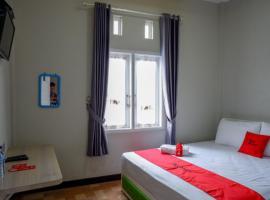 RedDoorz Syariah near Komplek Candi Arjuna Dieng, hotel in Wonosobo
