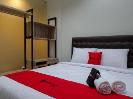 RedDoorz @ Jalan Kartini Semarang, guest house in Semarang