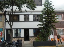 Familia Lombana, bed and breakfast en Bogotá