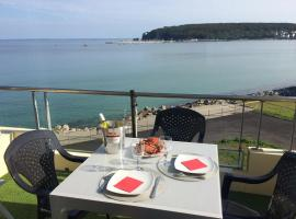 Une terrasse sur la mer, hotel in Crozon